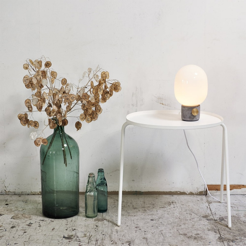 Jwda Lamp, Concrete