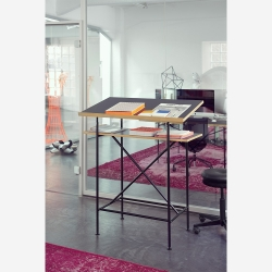 Milla 700 high desk_Bronze Legs